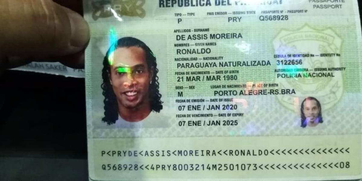 Paraguayos invaden las redes con memes tras problema de Ronaldinho con la justicia