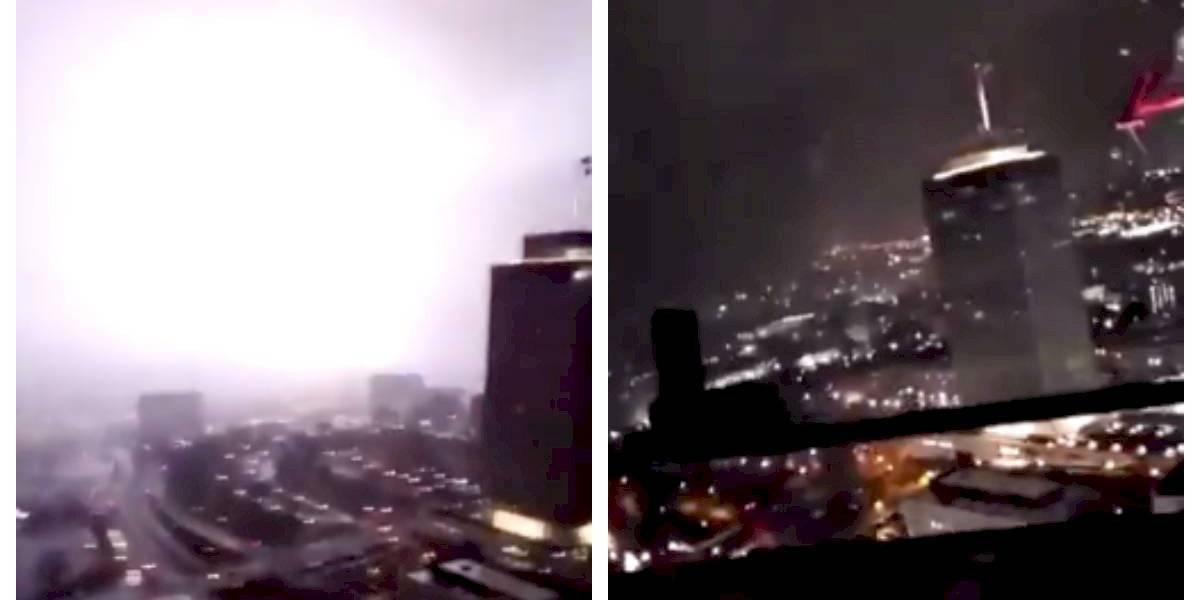 Operador de grúa vivió momentos de terror a 115 metros del altura al ver cómo se acercaba un tornado