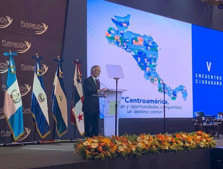Dionisio Gutiérrez durante su alocución