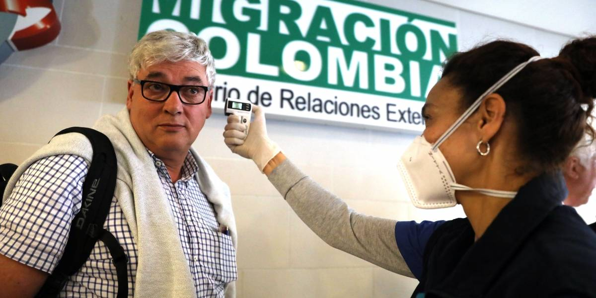 La odisea del extranjero que viajó junto a la colombiana contagiada con coronavirus