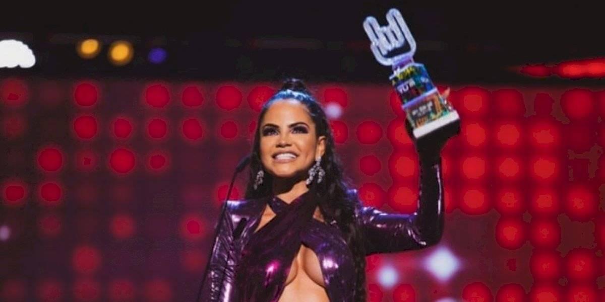 Cibernautas destruyen presentación de Natti Natasha en los Premios Tu Música Urbano 2020