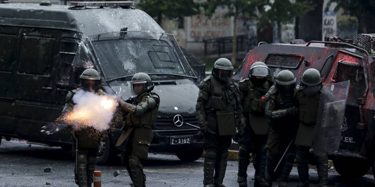 Amplían hasta el lunes detención de carabinero que baleó a manifestante en Concepción
