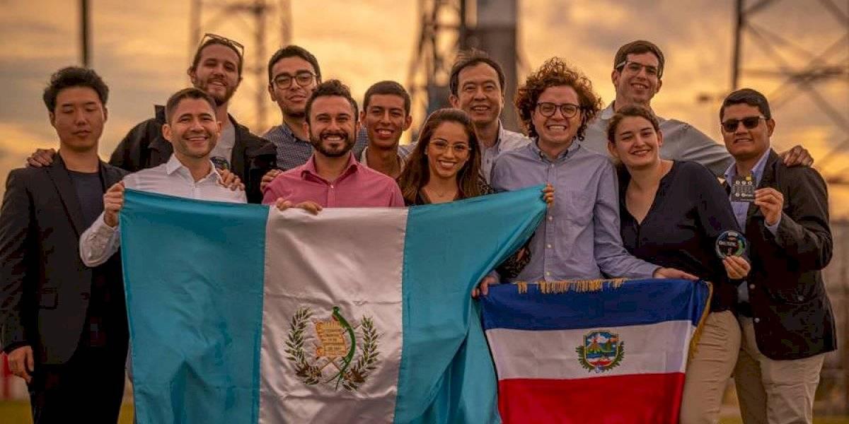 """Felicitan al equipo de estudiantes de la UVG tras la hazaña del lanzamiento del """"Quetzal 1"""""""