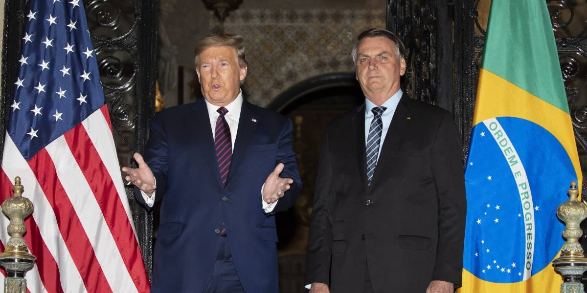 Trump niega que le preocupe el coronavirus en Washington