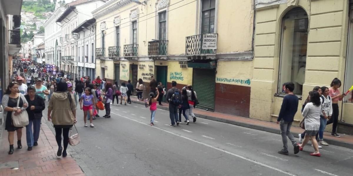 Siete personas aprehendidas por grafitear el centro Histórico de Quito