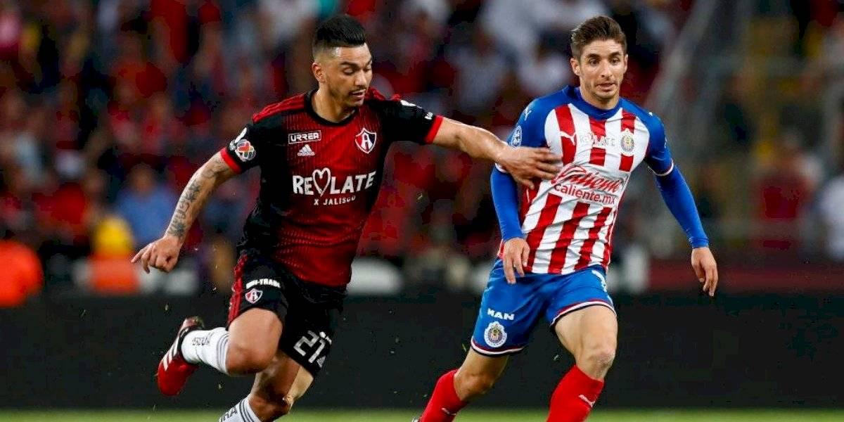 Reyes y Jeraldino fueron titulares en dura derrota del Atlas ante Chivas por la Liga MX