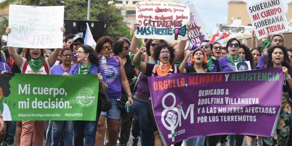 Marchan por derechos de mujeres