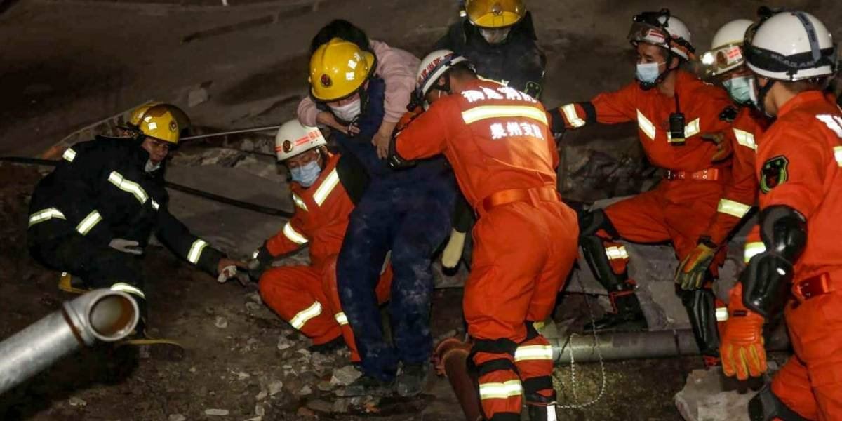 Aumenta cifra de muertos por derrumbe de hotelque servía de centro decuarentena por coronavirus en China