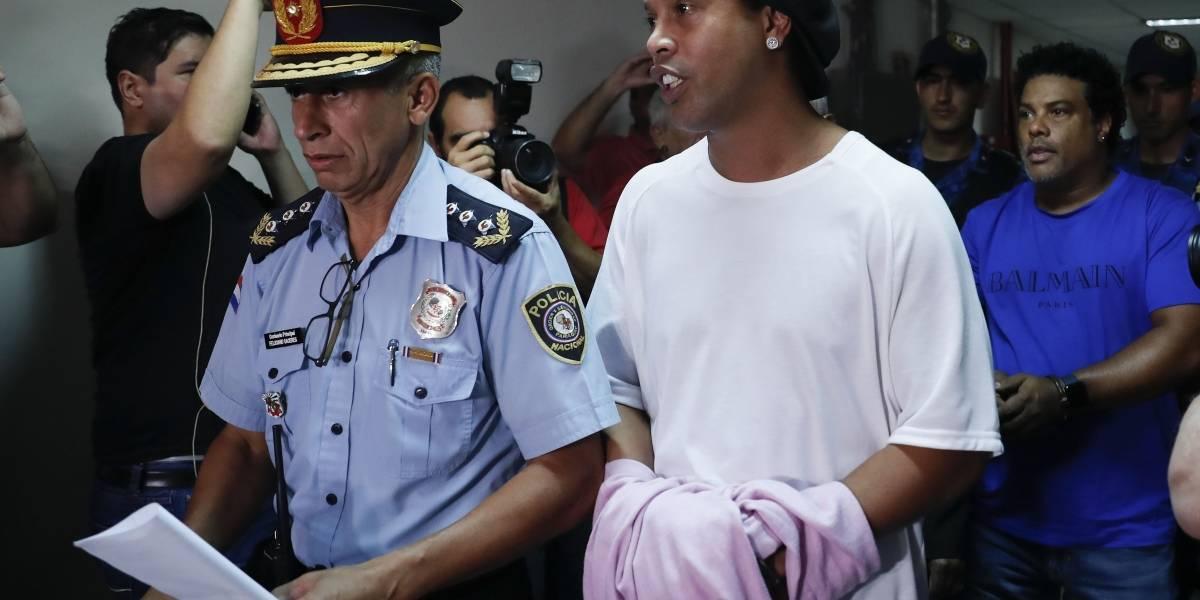 ¿Cuánto tiempo podría permanecer detenido Ronaldinho en Paraguay?