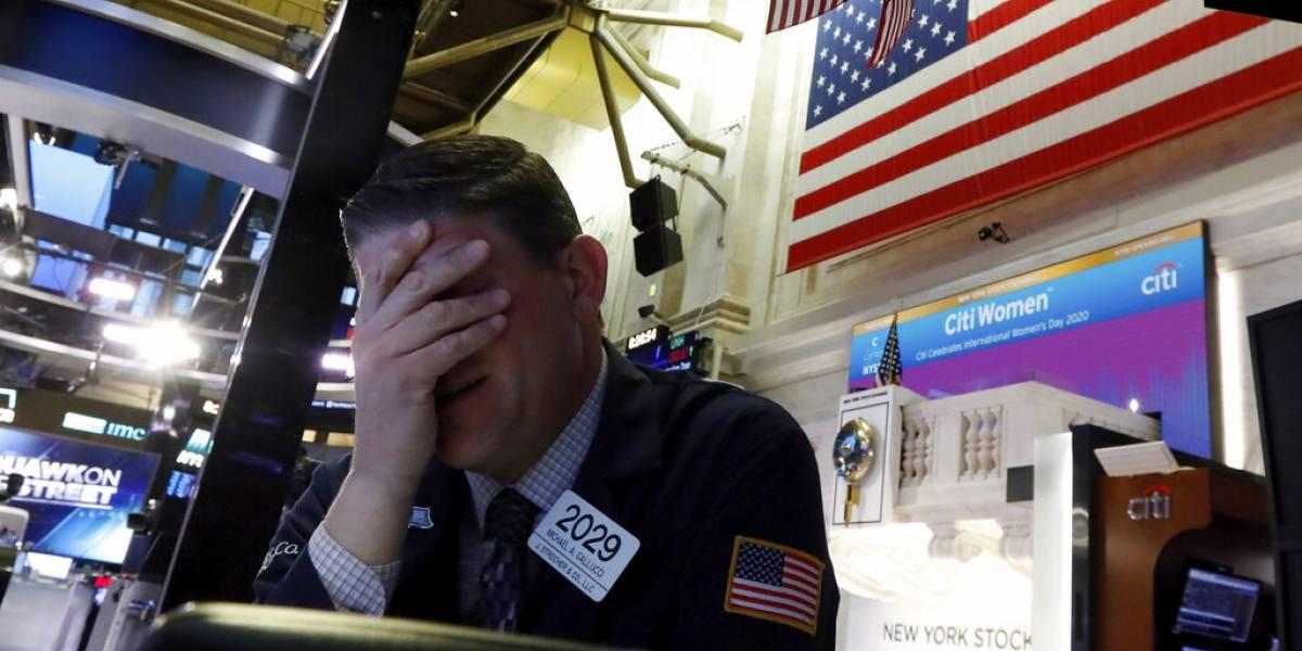 """""""Lunes Negro"""": Wall Street suspende sus operaciones ante grandes pérdidas"""