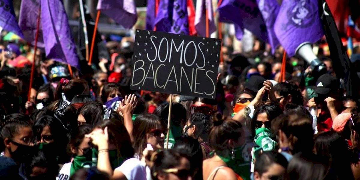 """""""Hermana chilena no dejes de luchar"""": el potente mensaje de apoyo enviado por las mujeres españolas en el 8M"""