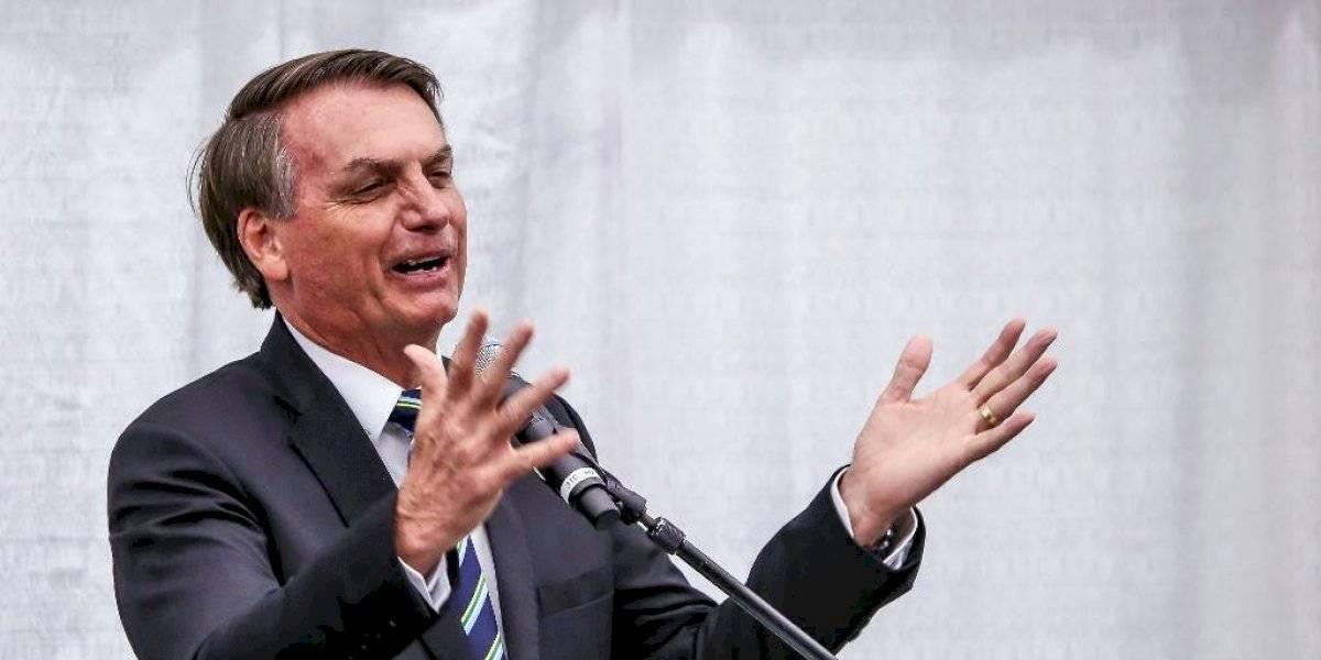 """Bolsonaro dice que la amenaza del coronavirus está """"sobredimensionada"""""""