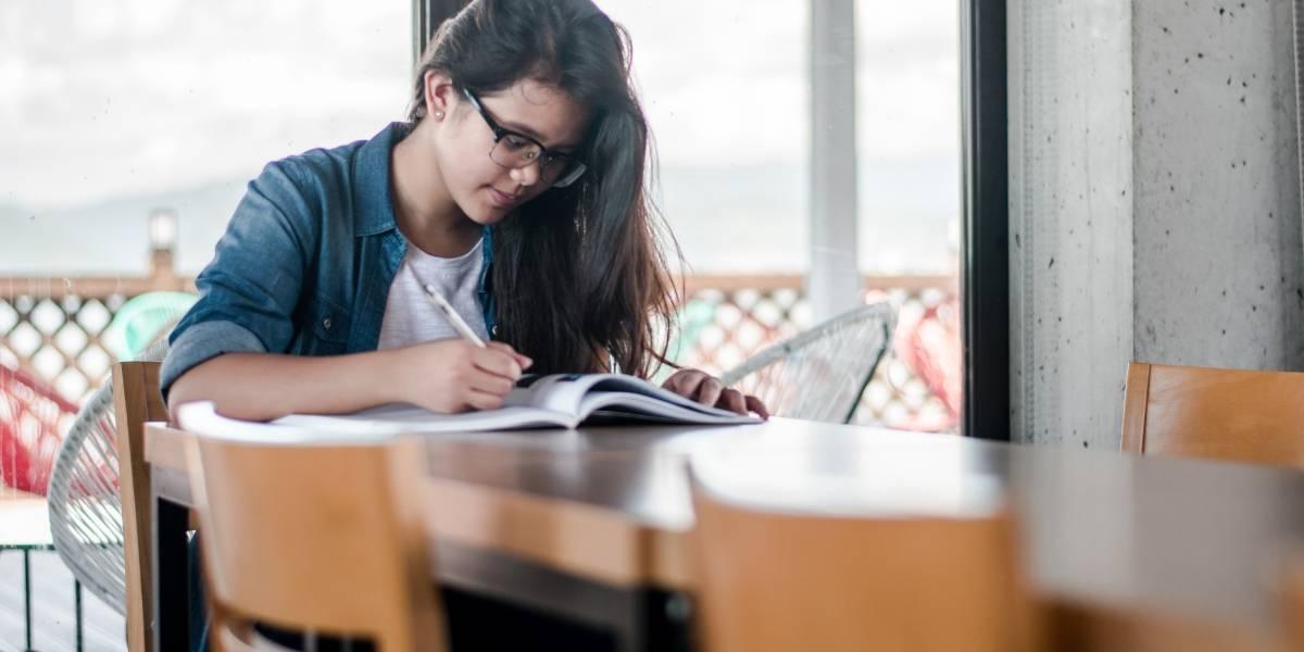 USP abre 15 mil vagas em cursos gratuitos para alunos de escola pública
