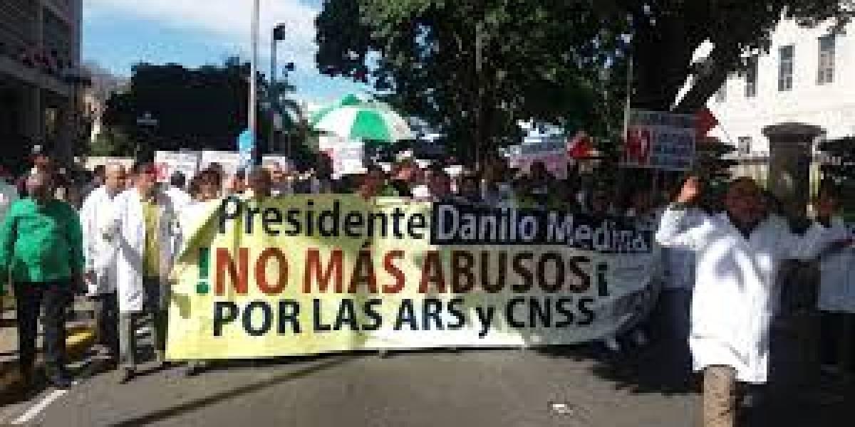Médicos marcharán mañana hasta el Palacio Nacional en busca de mejoras
