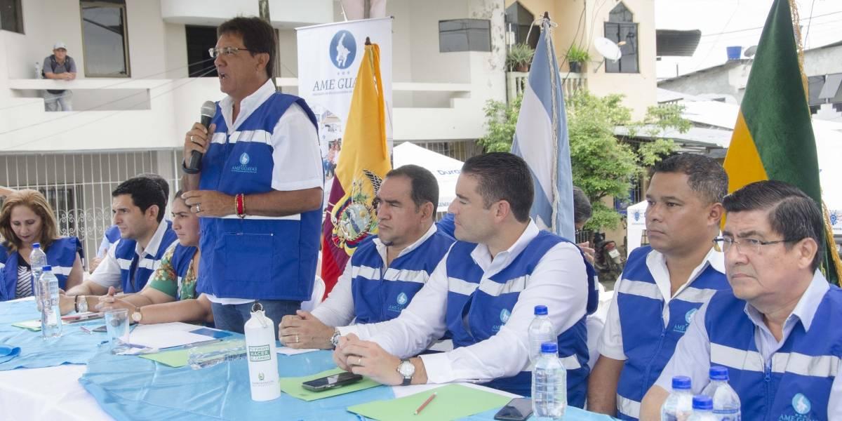 Carlos Luis Morales estuvo en Jujan y en Mariscal Sucre, de Milagro donde ofreció ayuda y obras