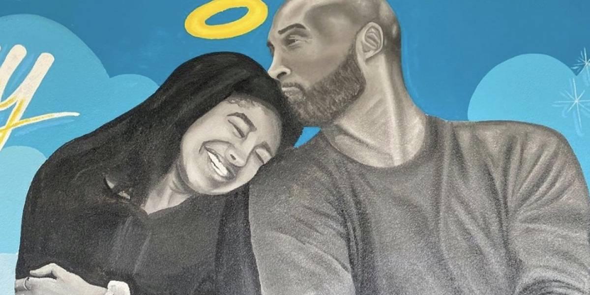 (Video) La primera foto familiar de los Bryant tras el accidente mortal de Kobe y Gianna