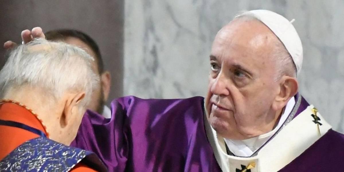 """Papa pide a sacerdotes """"valor"""" para visitar a afectados por coronavirus"""