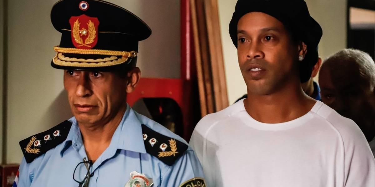 ¡Lo que faltaba! Ronaldinho recibió una pésima noticia por parte de la Fiscalía