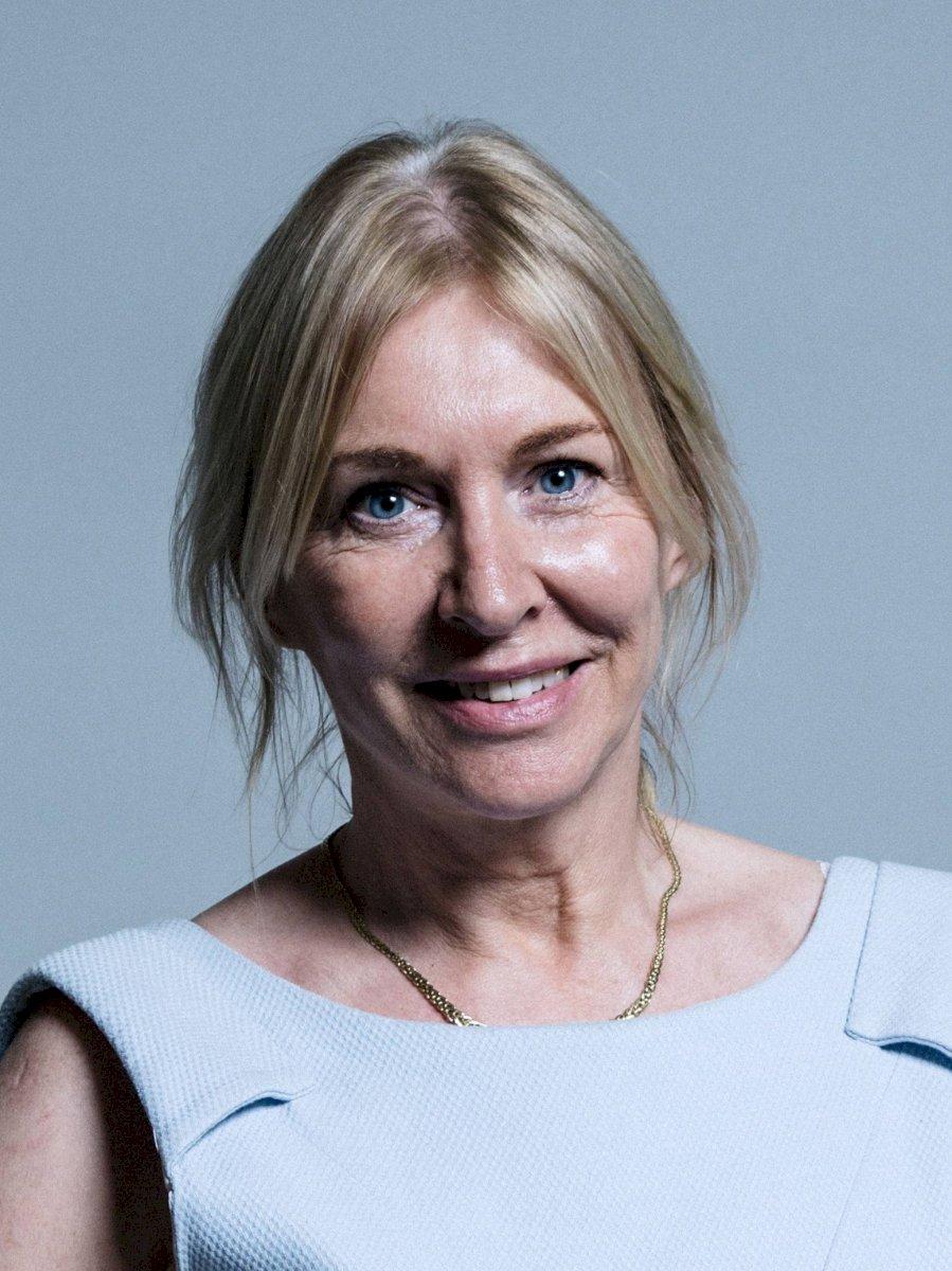 Ministra de Salud del Reino Unido tiene coronavirus Internet