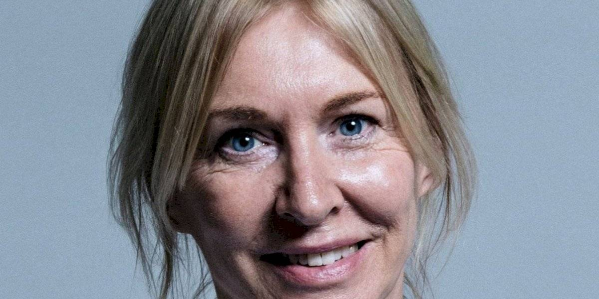 Ministra de Salud del Reino Unido tiene coronavirus