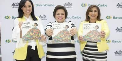 """13 dominicanas destacadas recibieron su """"Medalla al Mérito"""""""