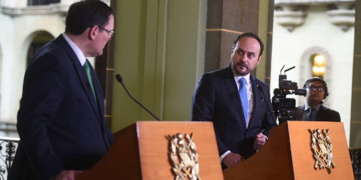 Gobierno de El Salvador revierte medida de solicitar pasaporte a guatemaltecos