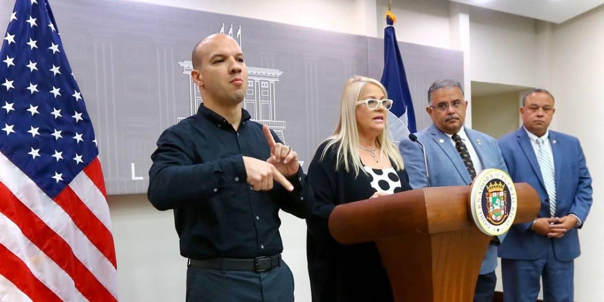 Wanda Vázquez cancela clases, cierra puertos por coronavirus y despide al secretario de Salud