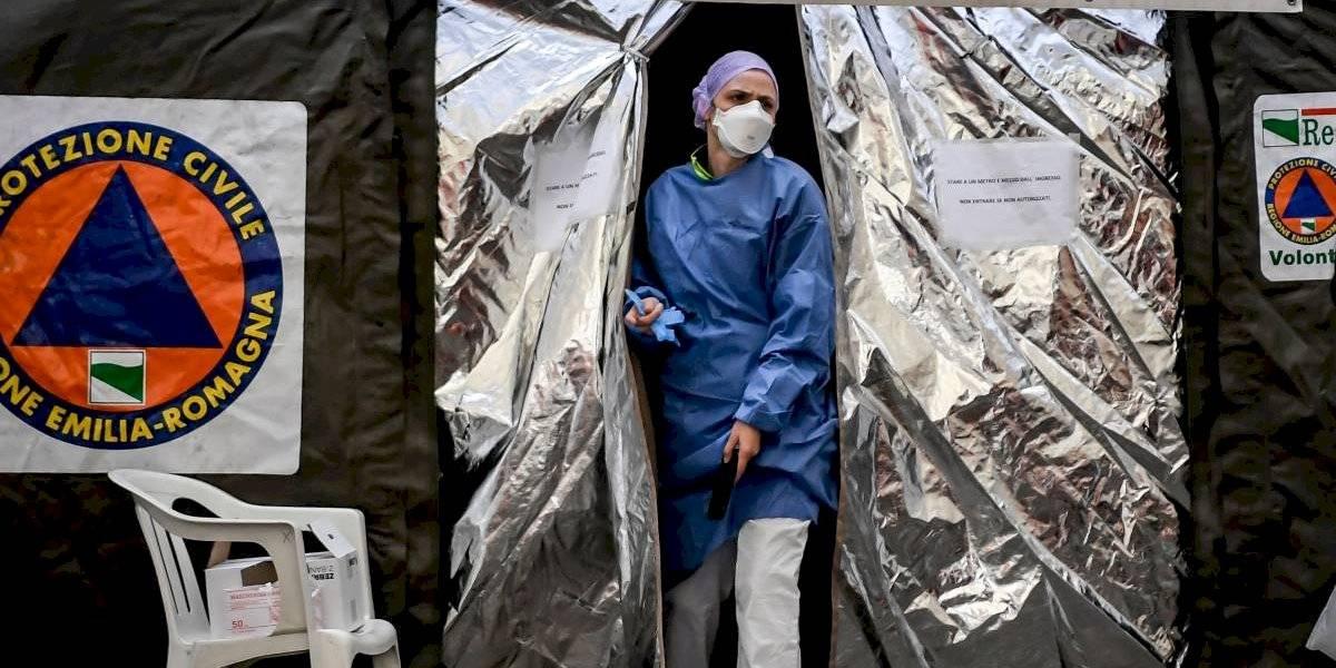 Mujer italiana es obligada a permanecer en su casa con el cadáver de su esposo el que podría haber estado contagiado de coronavirus