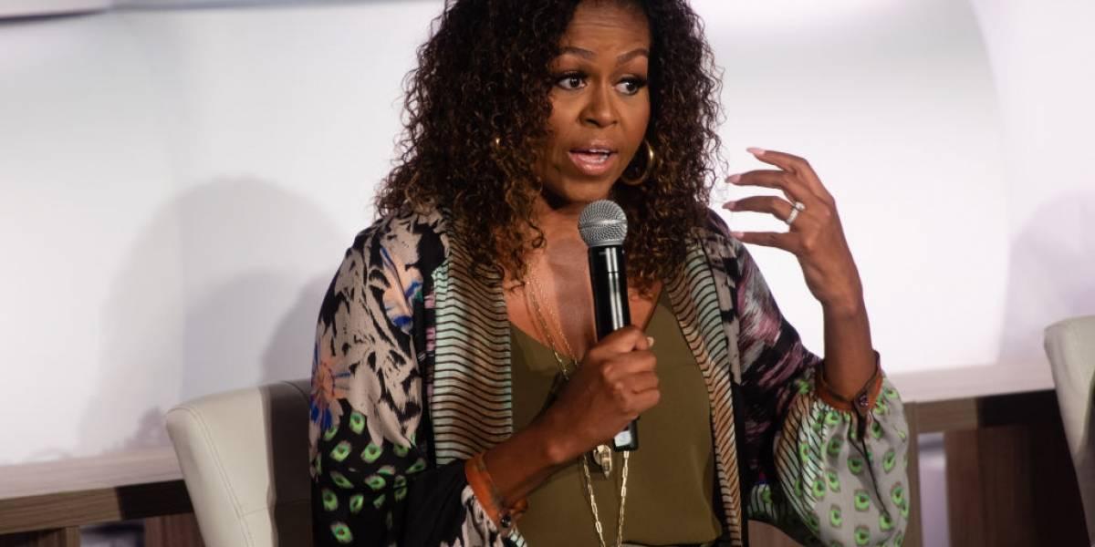 Michelle Obama se sensibiliza com menina negra que se achava feia