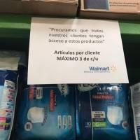 Walmart restringe compras de productos de higiene