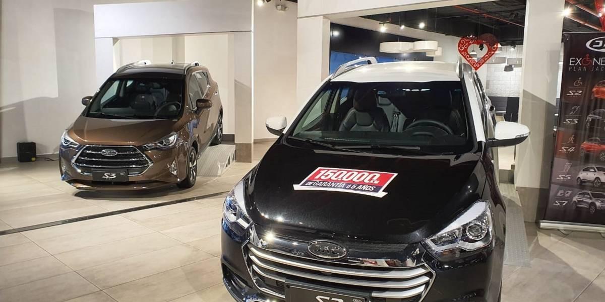 JAC Autos abre galería permanente en Centro Comercial El Recreo