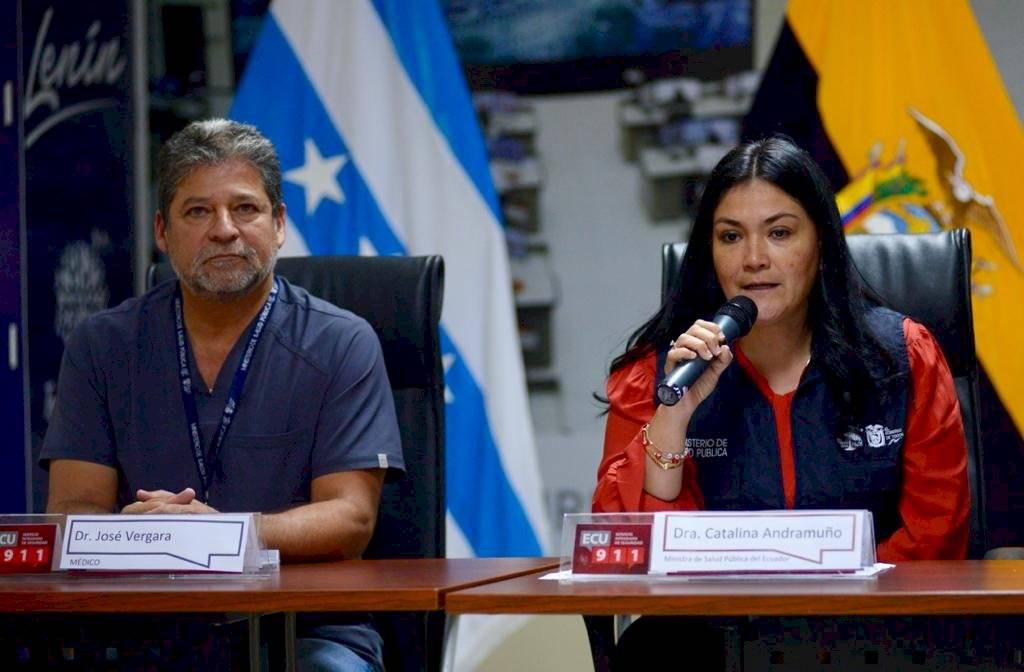 Rueda de prensa de Catalina Andramuño ministra de Salud