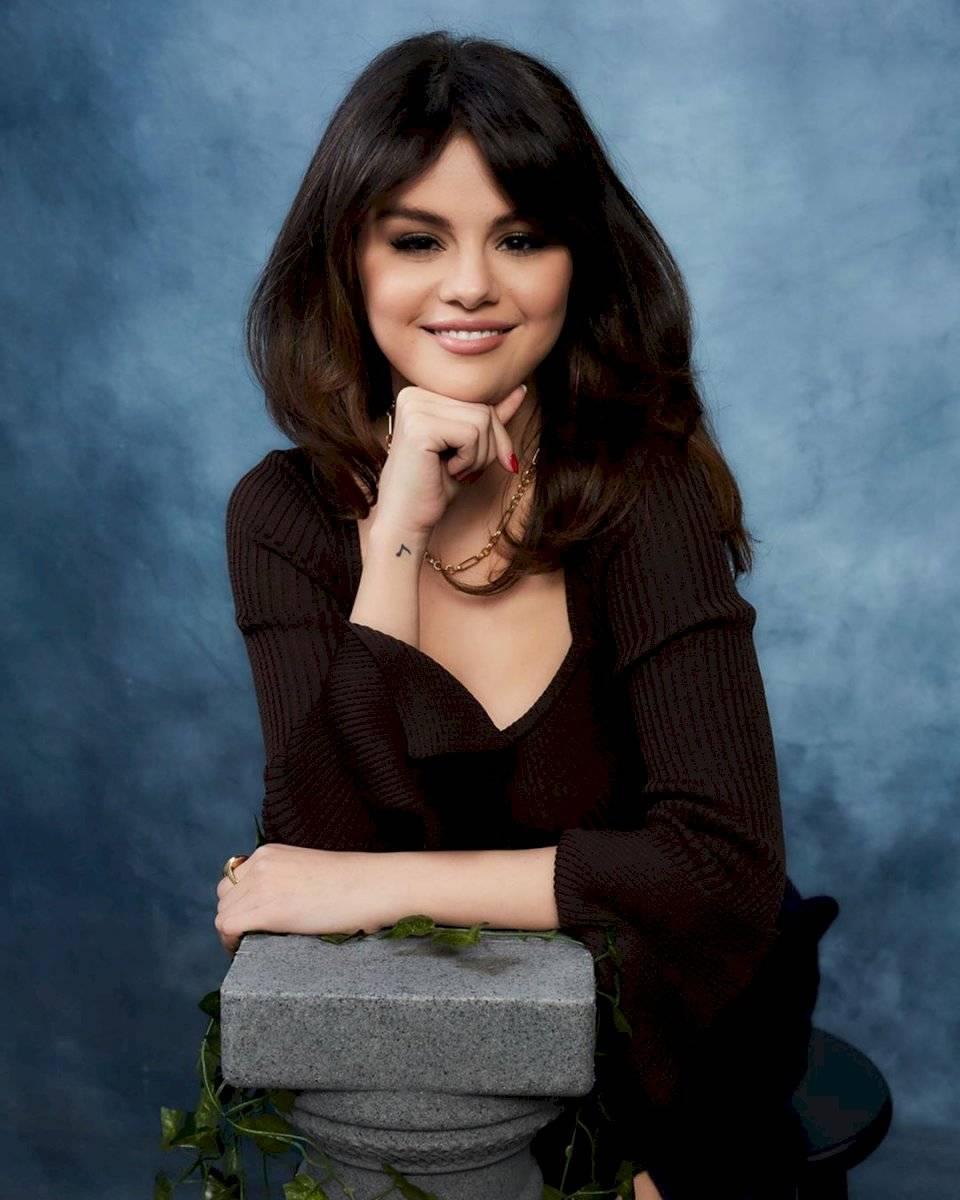 Selena Gomez vuelve a cambiar su look y lo hace inspirada en su fanatismo a Rachel de Friends