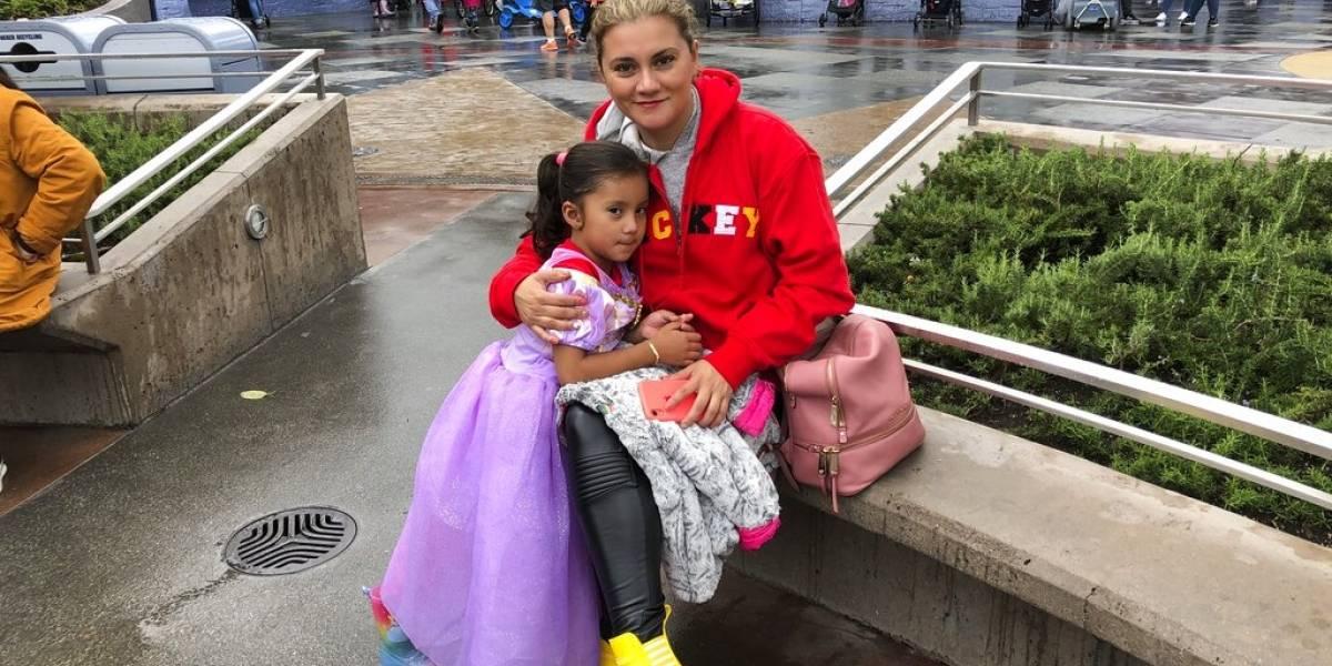 Visitantes disfrutan Disneyland antes de cierre temporal