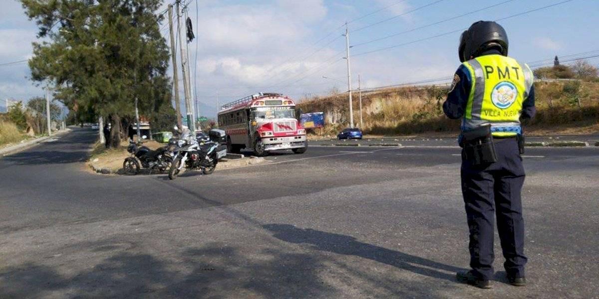 """VIDEO. Detienen un bus en el Cenma por """"persona extranjera con fiebre"""""""
