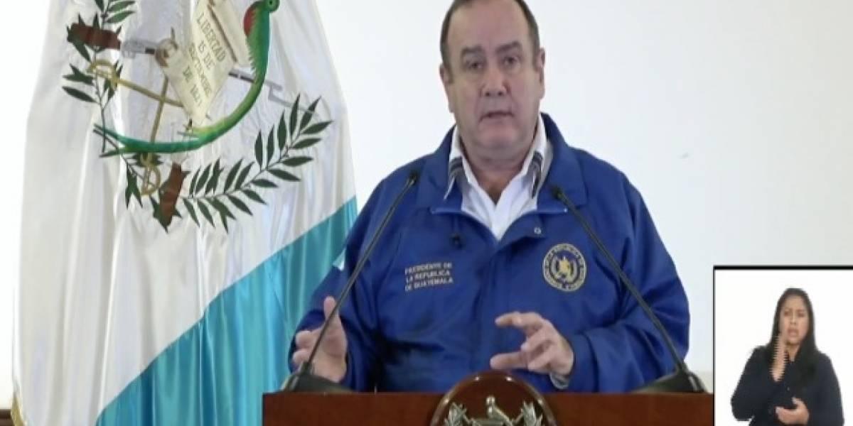 Presidente Giammattei suspende clases y restringe actividades religiosas y deportivas por coronavirus