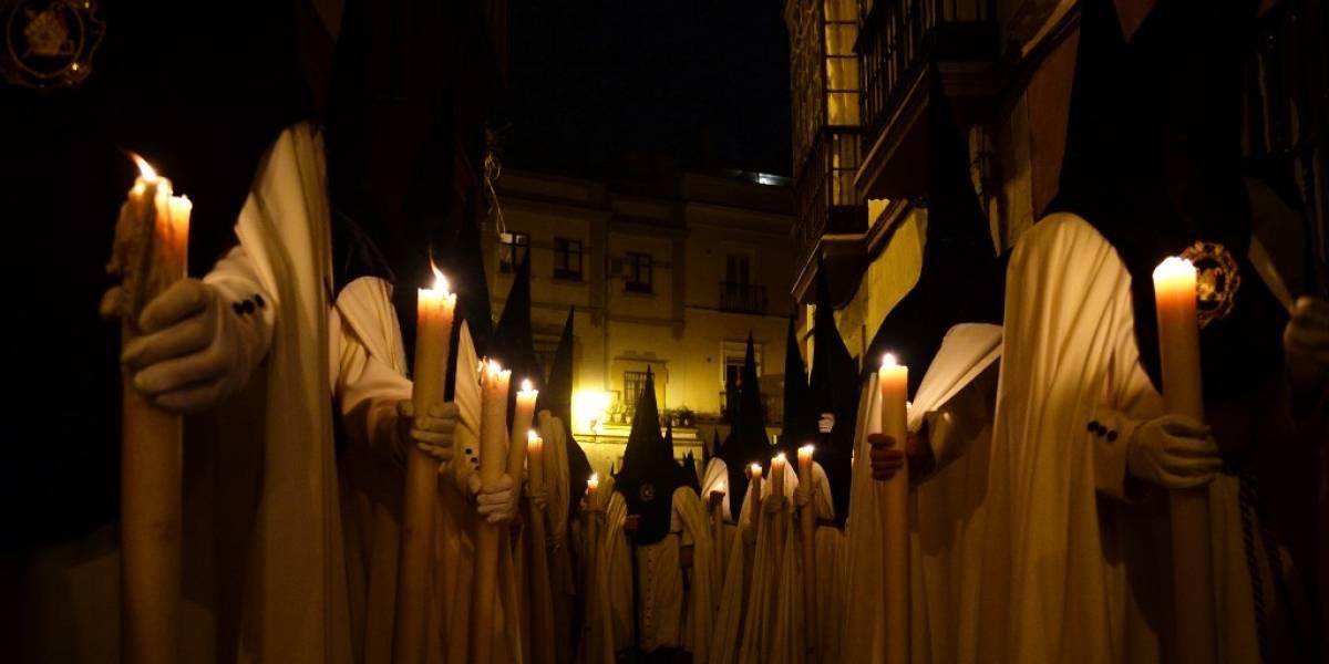 Suspenden los cortejos procesionales en Sevilla, España, por Covid-19