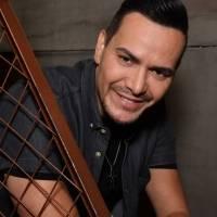 Víctor Manuelle anuncia que se casó