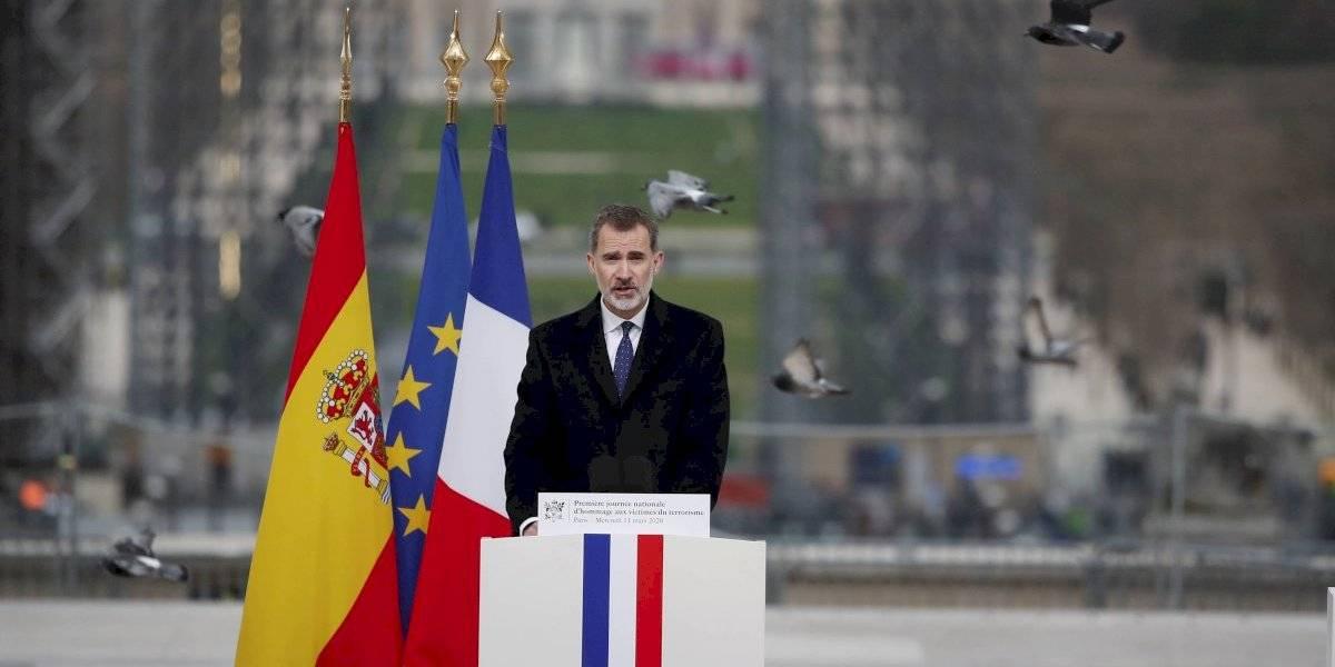 Rey de España renuncia a su herencia y retira asignación económica de su padre