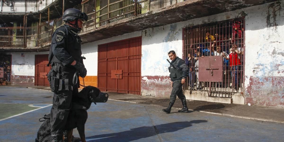 Coronavirus: Larraín anuncia protocolos de visitas a las cárceles y el Sename