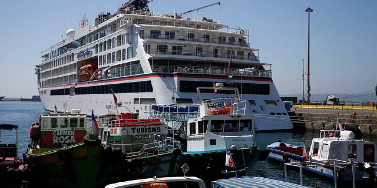 Mañalich prohibe recaladas de todos los cruceros en puertos chilenos desde este domingo