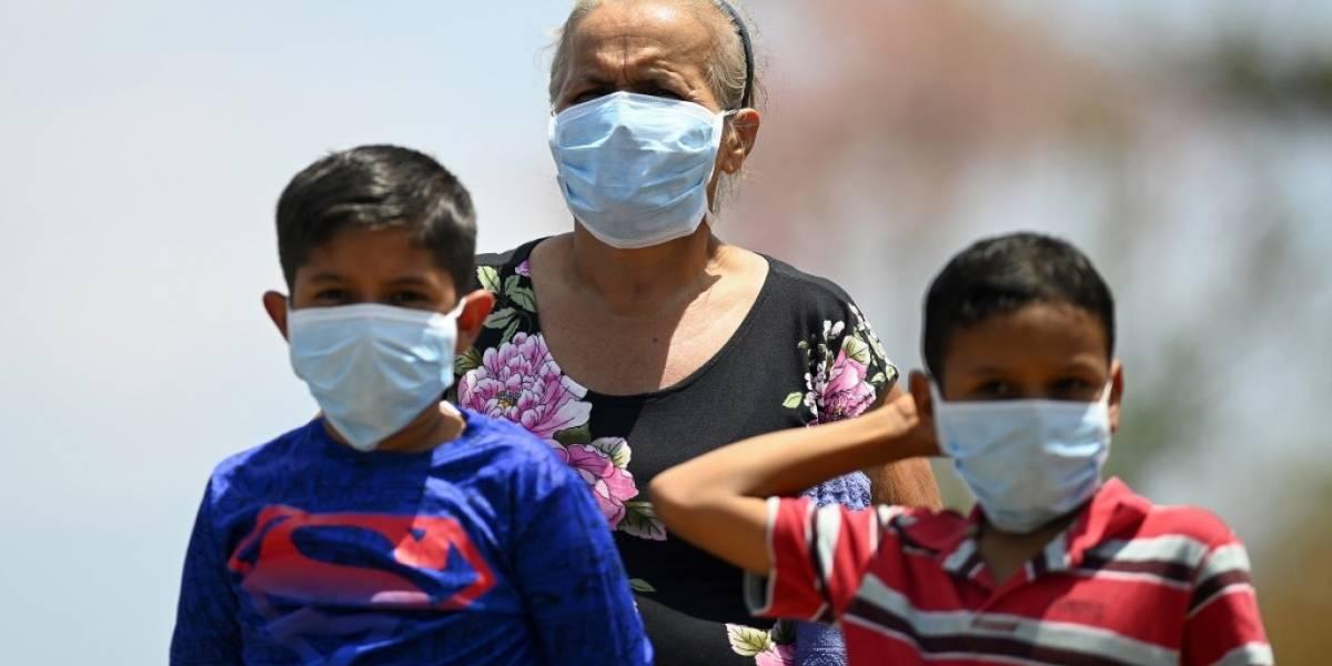 El Salvador restringe los derechos de movilización y reunión por el coronavirus