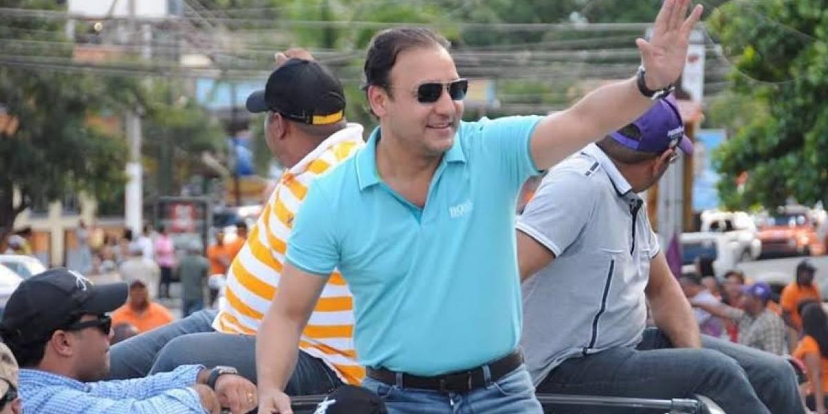Abel Martínez lidera el recuento en Santiago con el 25.61 % computado