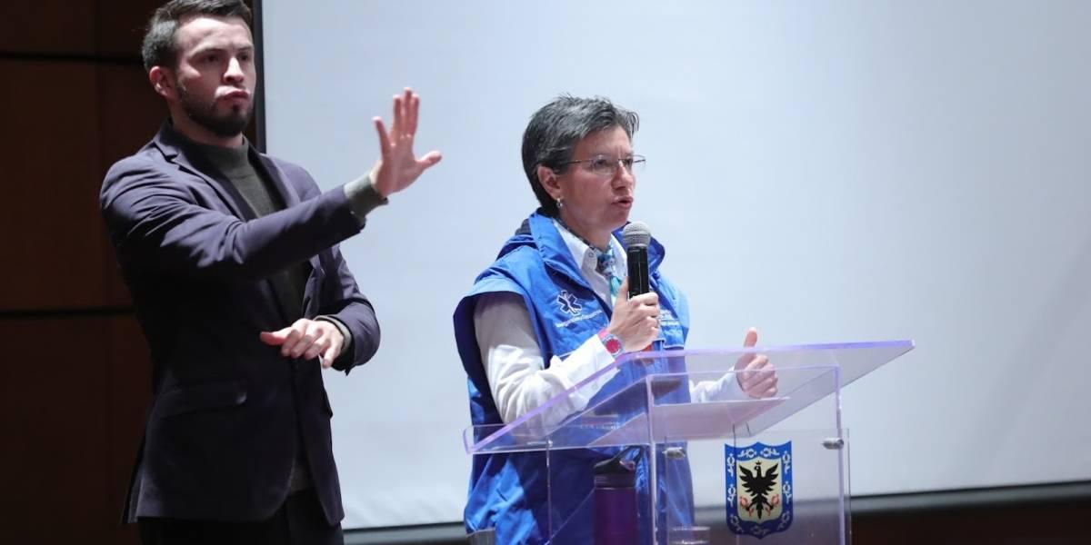 Claudia López denuncia que Gobierno aprovecha emergencia para beneficiar a bancos