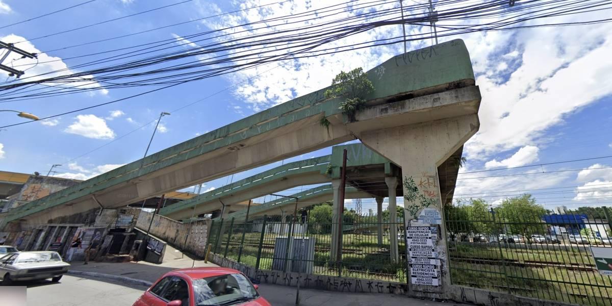 Homem é preso em flagrante por estuprar mulher em passarela de Santo André