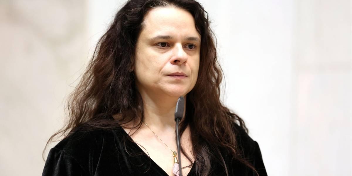 Ex-apoiadora, Janaína Paschoal defende Bolsonaro fora da presidência