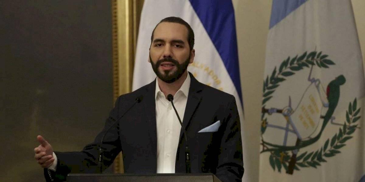 Vuelo desde México llevaría personas con Covid-19 a El Salvador, según Bukele
