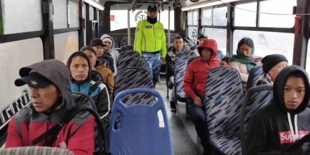 "Cinco unidades de transporte en Quito incumplieron modalidad ""solo sentados"""