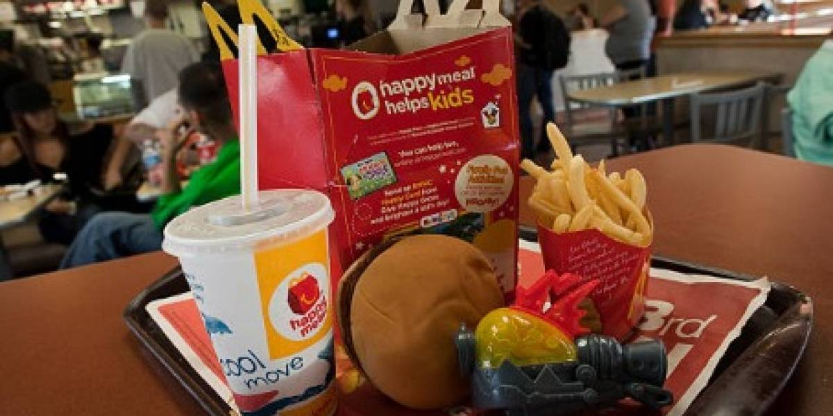 McDonald's ya no entregará juguetes de plástico dentro de sus 'cajitas felices' en Reino Unido e Irlanda