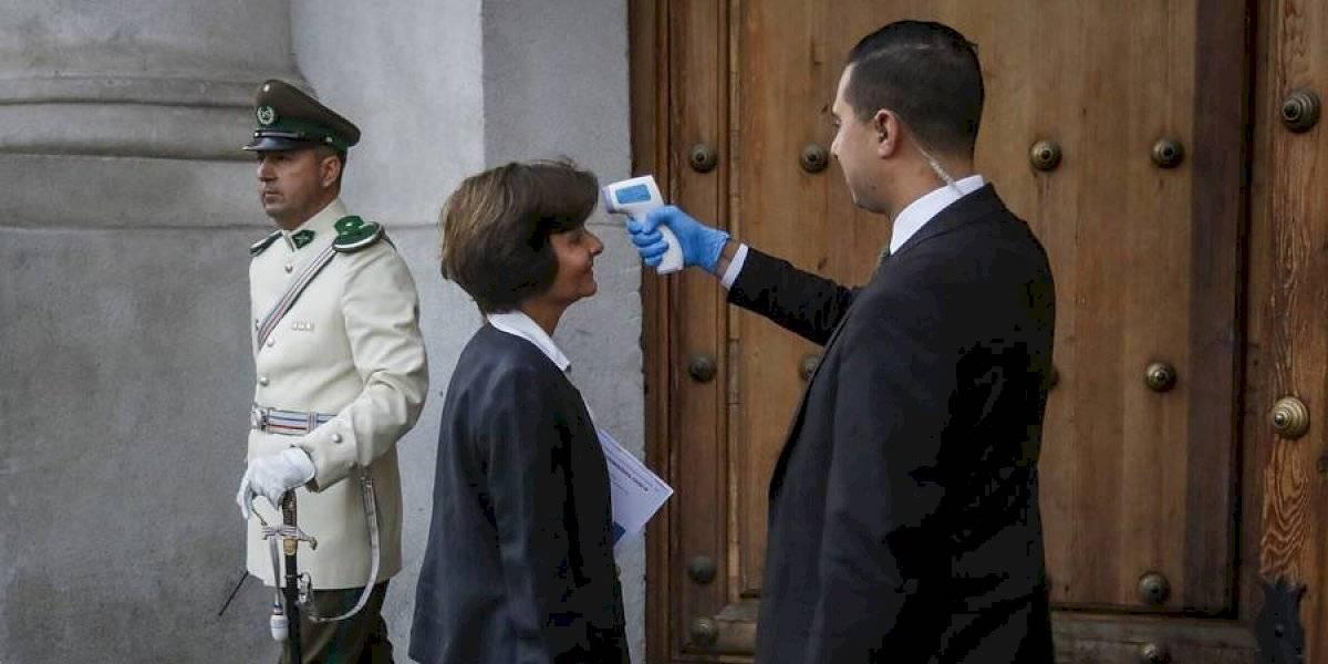 Adoptan nuevas medidas en La Moneda para prevenir el coronavirus